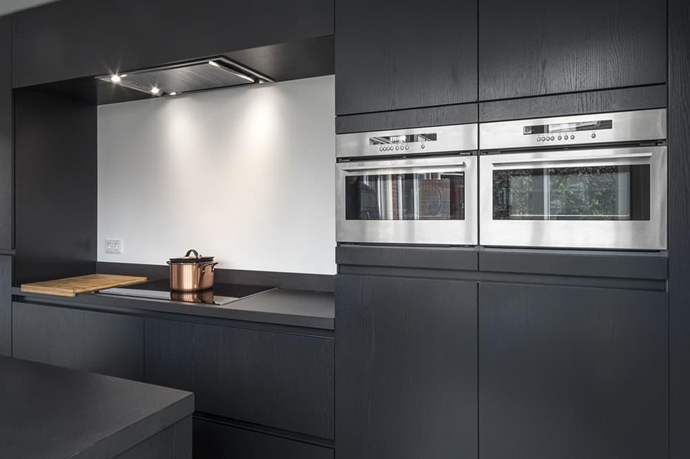 Keukenrenovatie uw keuken renoveren: van keukendeurtjes tot werkblad.